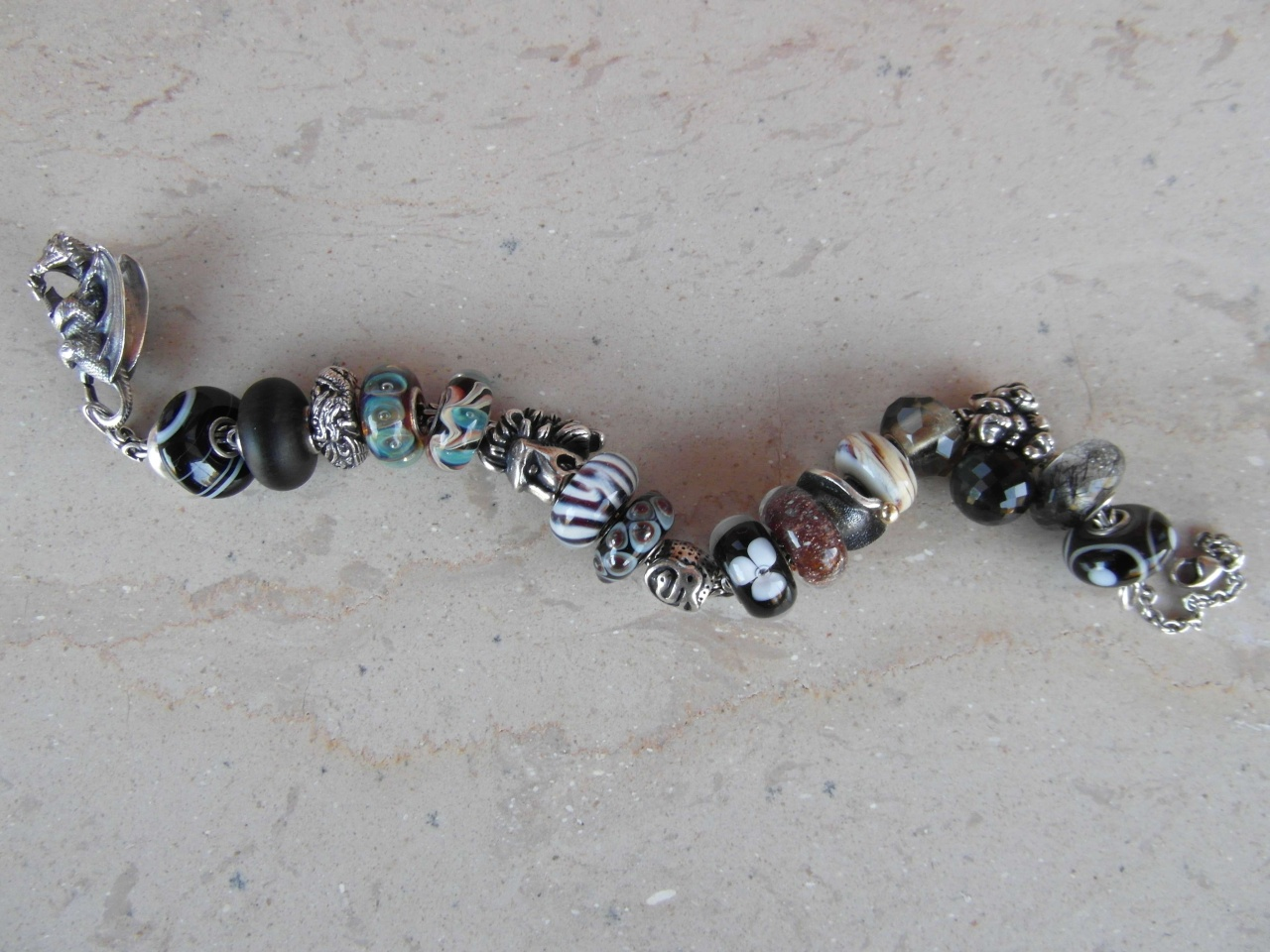 Bracelets with baby trolls - show me yours  Baby_t12