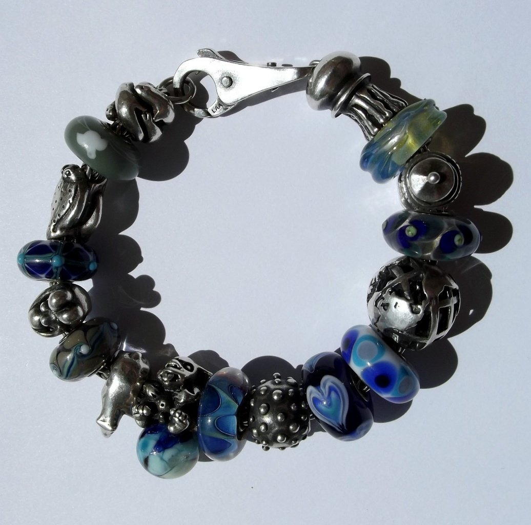 Bracelets with baby trolls - show me yours  Bead_213