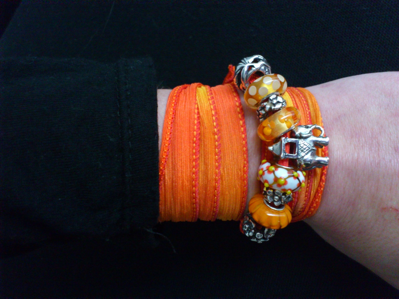 Hot India beads play Dsc_0420