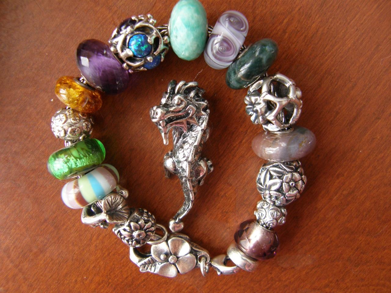 stripe of fashion bracelet designs? P2120019